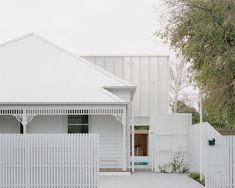 Australian Architecture, Australian Homes, Interior Architecture, White House Architecture, Residential Architecture, Weatherboard House, House Extensions, Home Studio, House Front
