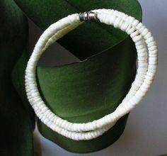"#Vintage #Necklace #Puka Shell choker 17½"" Barrel Clasp Hawaiian jewelry 1970s  #Vintage #PukaShell"