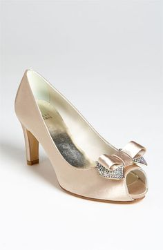 i love these princess shoes!!    Stuart Weitzman 'Glospice' Pump available at #Nordstrom