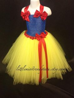 Attractive, warm and soft with the use of baby snowsuit makes simpler having each of your baby directly into the cold. Snow White Tutu, Snow White Outfits, Snow White Halloween Costume, Halloween Kostüm, Halloween Birthday, Princess Tutu Dresses, Snow Dress, Snow White Birthday, Disney Birthday