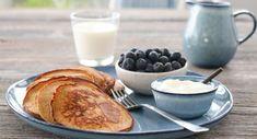MARENGS MED MØRK SJOKOLADE OG MANDLER | TRINES MATBLOGG Smoothie, Pancakes, French Toast, Food And Drink, Chips, Cookies, Breakfast, Recipes, Crack Crackers
