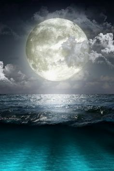 tulipnight:  FB PHOTO FULL MOON OVER THE OCEAN 14 by PacificCove on Flickr.