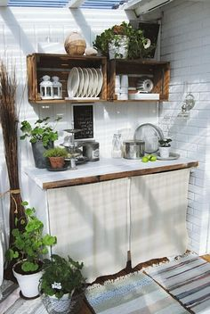 Basic Kitchen Area Concepts For Inside or Outside Kitchen areas – Outdoor Kitchen Designs Outdoor Kitchen Design, Home Decor Kitchen, Kitchen Ideas, Simple Outdoor Kitchen, Design Kitchen, Kitchen Furniture, Diy Furniture, Basic Kitchen, New Kitchen