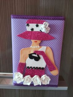 Forro de cuaderno Foam Crafts, Diy And Crafts, Arts And Crafts, Paper Crafts, Dress Card, Decorate Notebook, Craft Materials, Diy Cards, Homemade Cards