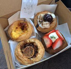 Western Food, Aesthetic Food, Doughnut, Muffin, Food Porn, Sweets, Sugar, Meals, Breakfast