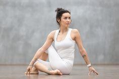 Schlafprobleme? 6 Yoga-Positionen, die dir dabei helfen, sofort einzuschlafen - Gesunde Tipps