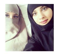 hijab, dine, and jilbeb image Beautiful Arab Women, Beautiful Little Girls, Beautiful Hijab, I Love Girls, Beautiful Person, Beautiful Eyes, Beautiful Images, Arab Girls Hijab, Muslim Girls