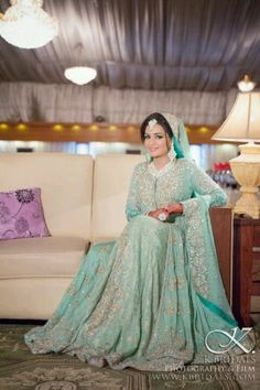 REEL Movie Awards Stars Stun in their Glamorous Avatars at the Red Carpet Pakistani Bride – Sea green looks lovely ♥ love this colour mainly xx Pakistani Couture, Pakistani Wedding Dresses, Pakistani Outfits, Indian Dresses, Indian Outfits, Walima Dress, Desi Wedding, Wedding Chura, Wedding Hijab