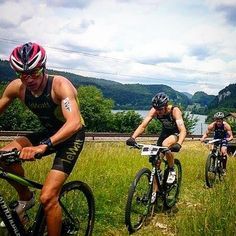 #xterra #switzerland a year ago - the boys hunting @rogerserrano after the swim and Arthure was the later winner in the front. This weekend we are back! #tbt #bike #crosstriathlon #race #europeanchamps #euro2016