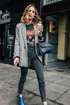 Fall Street Style Outfits to Inspire Fall street style fashion / Fashion week Fashion Mode, Look Fashion, Autumn Fashion, Fashion Trends, Womens Fashion, Fashion Ideas, Street Fashion, Feminine Fashion, Ladies Fashion