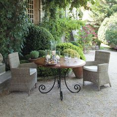 Table à dîner ronde  - Lubéron