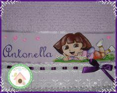 Toalha de mão Dora a aventureira. www.facebook.com/lexavierarts