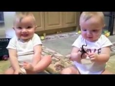 Twins Mimic Dad's Sneeze