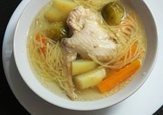 Húsleves | CatFlower receptje - Cookpad receptek Ramen, Japanese, Ethnic Recipes, Food, Life, Red Peppers, Meal, Japanese Language, Eten