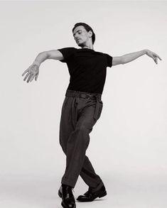 Sergei Polunin Body Reference Drawing, Human Poses Reference, Figure Drawing Reference, Photo Reference, Sketch Poses, Drawing Poses, Toni Erdmann, Sergei Polunin Dancer, Inspire Dance