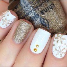 winter nails, winter nail art designs, christmas nail art designs, christmas na. Christmas Nail Art Designs, Winter Nail Designs, Colorful Nail Designs, Toe Nail Designs, Acrylic Nail Designs, Acrylic Nails, Nails Design, Xmas Nails, Christmas Nails