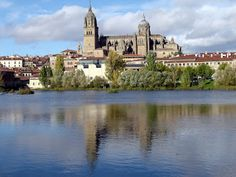 Salamance Cathedral - view across the River Tomes by Robert Bovington from the blog post SPANISH IMPRESSIONS: Salamanca: http://bobbovington.blogspot.com.es/2011/11/salamanca.html#