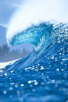 Blue #Wave - ©Vince Cavataio http://www.vincecavataio.com/ (via GreatBigCanvas)