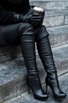 Over the knee. #leather