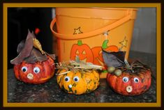 Pumpkin Activities for Kids : Decorating Pumpkins with nature bitsWe have been having fun thinking up with Halloween crafts for kids and pumpkin activities for kids. Today's pumpkin activity for Pumpkin Art, Baby In Pumpkin, Pumpkin Crafts, Pumpkin Ideas, Halloween Class Party, Halloween Prints, Mini Pumpkins, Halloween Pumpkins, Halloween Crafts For Kids
