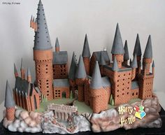Hogwarts gingerbread house by cherry bay cakery
