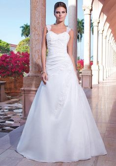 Sweetheart Gowns 6040 Wedding Dress photo
