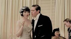 Phryne and Jack in Miss Fisher and the Crypt of Tears. Retro Fashion, Men's Fashion, 1920s Dress, 1920s Flapper, Murder Mysteries, 1920s Style, Retro Style, Hollywood Stars, Dance Dresses