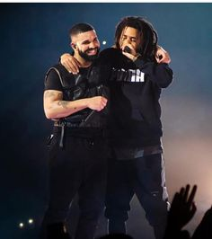 Listen to every J Cole track @ Iomoio J Cole Concert, J Cole And Drake, J Cole Quotes, Drake Wallpapers, Drake Drizzy, Tupac Wallpaper, Dancehall Reggae, Cute Rappers, Iconic Photos