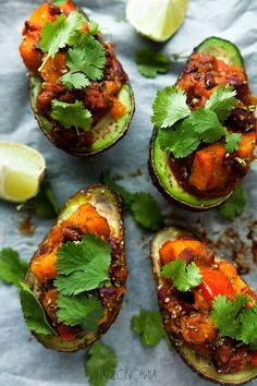 avocado stuffed with sweet potatoes Veggie Recipes, Vegetarian Recipes, Cooking Recipes, Healthy Recipes, Healthy Meals, Savory Snacks, Tasty Dishes, Food Photo, Vegan Gluten Free