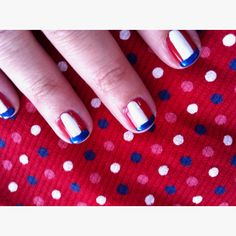 Easy Patriotic 4th of July nails