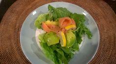 Rucolaavocadosmoked salmon salad