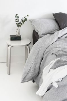 Here we showcase a a collection of perfectly minimal interior design photos for you to use for inspiration.Check out the previous post in the series: Inspiring Examples Of Minimal Interior Design 3 ikea stool hack Home Bedroom, Bedroom Decor, Bedrooms, Bedroom Inspo, Bedroom Ideas, Master Bedroom, Bedroom Designs, Bedroom Inspiration, Modern Bedroom