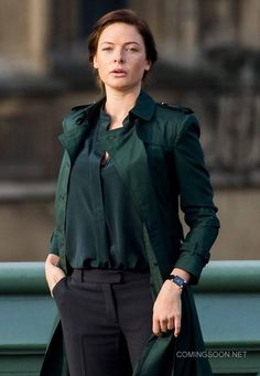 Get a Mission Impossible 5 Coat for sale. This Rebecca Ferguson Coat for sale at discounted price at our online store fit jackets Rebecca Ferguson, Ilsa Faust, Mission Impossible 5, Green Trench Coat, Trench Coats, Coats For Women, Beautiful Women, Leather Jacket, My Style