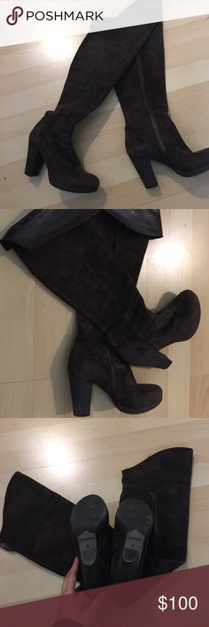 """ONE HOUR SALE Kenneth Cole genuine leather boots Beautiful Kenneth Cole Boots genuine leather inside. In beautiful excellent condition. Heels about 4"""". Kenneth Cole Shoes Over the Knee Boots"""