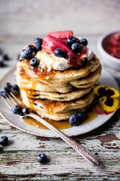 blueberry almond pancakes half baked harvest + Top 50 Easter Brunch Recipes that will please every guest on your list! Breakfast And Brunch, Think Food, Love Food, Almond Pancakes, Blueberry Pancakes, Yummy Food, Tasty, Half Baked Harvest, Mets