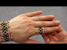 Beaded Shoes, Beaded Rings, Bead Loom Bracelets, Beaded Bracelet Patterns, Handmade Beads, Handmade Jewelry, Beaded Jewelry Designs, Jewelry Making Tutorials, How To Make Beads