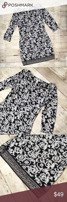 """WHBM 3/4 Sleeves Black White Pattern Mini Dress In excellent, like-new condition with no sign of wear and no flaws. Bust: 18.5"""". Waist: 17.25"""". Length: 38"""". White House Black Market Dresses Long Sleeve"""