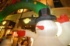 Hard Rock Cafe Rome entrance  pupazzo di neve
