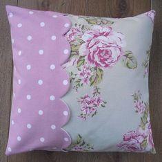 Scalloped edge pillow Shabby Chic Pillows, Cute Pillows, Diy Pillows, Decorative Pillows, Throw Pillows, Diy Cushion Covers, Pillow Covers, Scalloped Edge, Salvia