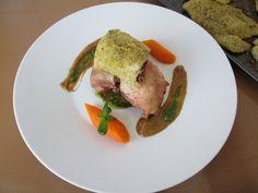 Gino D'Aquino    /  Pollo 2 piccole varianti''( al forno e involtino provenzale  con mollica di pane)''  salsa alla melenzana e  pesto al basilico  Gino D'Aquino
