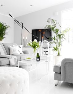 Bright white Scandinavian living room with modern interior. Beautiful Interior Design, Home Interior Design, Interior Architecture, Luxury Interior, Modern Interior, Living Room Decor Inspiration, Piece A Vivre, Home And Living, Home Furniture