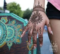 Ying yang henna from the market! My jam is just quietly pouring my art heart out via my henna cones. Mehndi Designs, Cool Henna Designs, Beautiful Henna Designs, Henna Tattoo Designs, Tribal Designs, Henna Tattoo Arm, Henna Body Art, Henna Mehndi, Body Art Tattoos