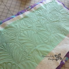 The Quilted Clamshell   Jen Eskridge   ReannaLily Designs   ReannaLily Quilts   Free Motion Quilting on a Home Sewing Machine