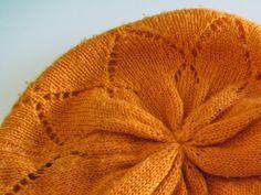 PientäSuurtaNäpertelyä: Lapaset. Knitted Hats, Knitting, Fashion, Moda, Tricot, Fashion Styles, Breien, Stricken, Weaving