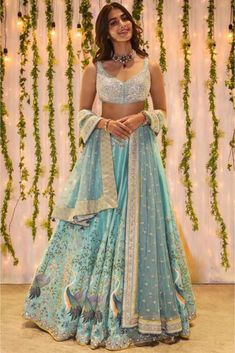 Lehenga Indien, Silk Lehenga, Floral Lehenga, Yellow Lehenga, Designer Bridal Lehenga, Bridal Lehenga Choli, Indian Lehenga, Ghagra Choli, Costumes