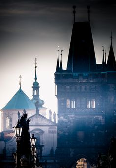 Charles Bridge in Prague photographed by Hassan Raza Victor Hugo, Daughter Of Smoke And Bone, Charles Bridge, Prague Czech Republic, Eastern Europe, Wonderful Places, Beautiful Places, Nature Photos, Empire State Building