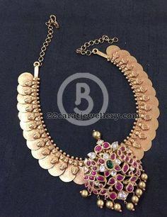 Long and Short Kasu Mala Designs - Jewellery Designs Gold Earrings Designs, Gold Jewellery Design, Necklace Designs, Gold Jewelry, Quartz Jewelry, Silver Earrings, India Jewelry, Temple Jewellery, Jewellery Rings