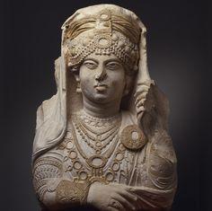 Queen Zenobia bust - Zenobia was a 3rd-century Queen of the Palmyrene Empire in Roman Syria. Zenobia, in full Septimia Zenobia, Aramaic Znwbyā Bat Zabbai ...c57953392b00f46383988f4808f0facf.jpg (736×734)