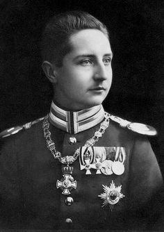 Prince August Wilhelm of Prussia (1887-1949) a son of Kaiser Wilhelm II. A great-grandson of queen Victoria of England, and it shows!