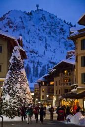 Book your next winter vacation at Squaw Valley–Alpine Meadows, one of the finest Lake Tahoe ski resorts in California. Tahoe Ski Resorts, Best Ski Resorts, Lake Tahoe Winter, South Lake Tahoe, Places To Travel, Places To Go, Nevada, Alpine Meadow, Ski Vacation